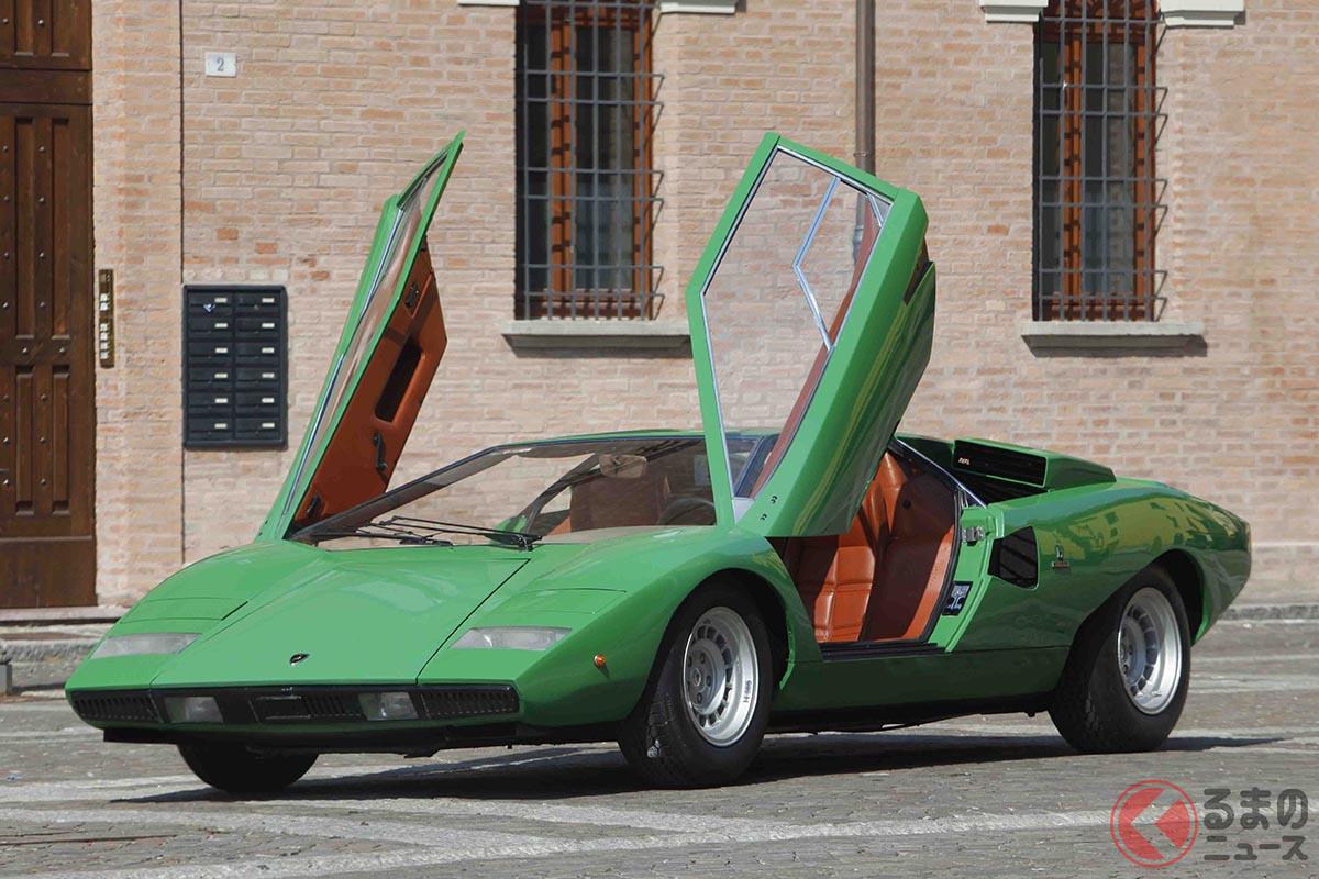 ボディカラーがグリーンだと、初期の「カウンタックLP400」がいかに「カラボ」のデザインに似ているのかがよく分かる