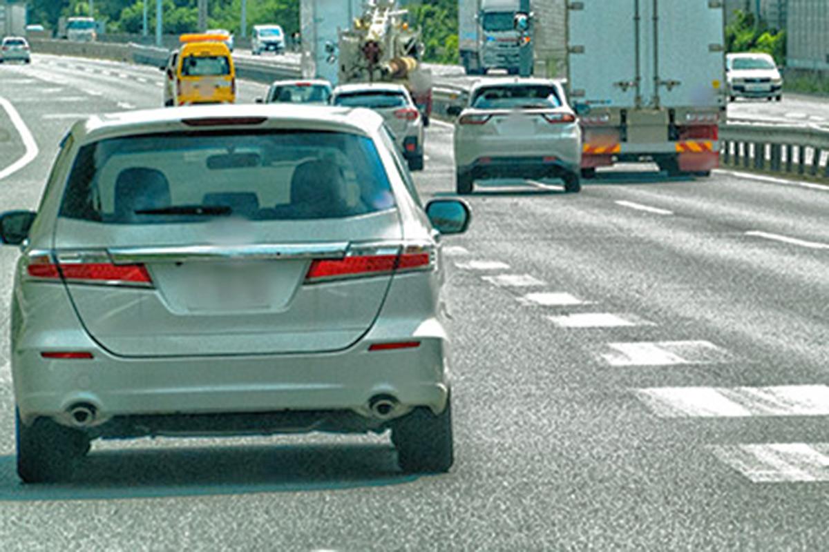 高速道路の合流、苦手な人多数! 円滑に合流する方法とは?