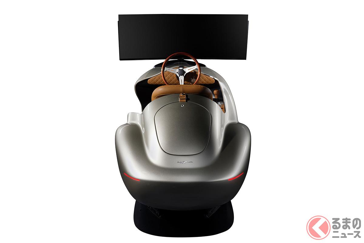 ステアリングホイールは、イタリア製クラシックスポーツカーの定番ともいうべきナルディ社製のウッドリムを採用(C)2021 Courtesy of RM Sotheby's