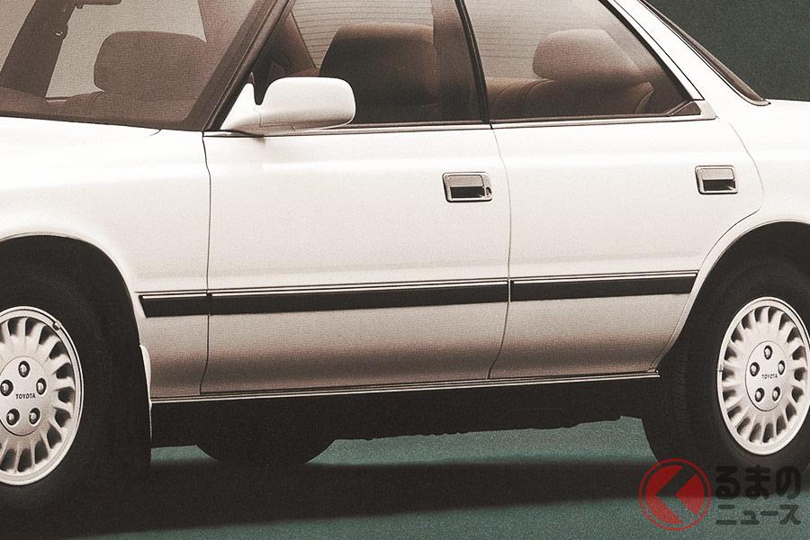 初期のサイドモールはボディと異なる色だったが、時代とともに同色へと変わっていった
