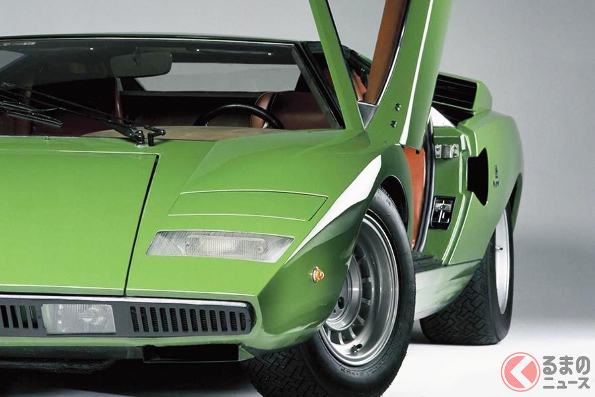 1974年登場のランボルギーニ「カウンタック」もリトラクタブルヘッドライトを採用。漫画「サーキットの狼」などスーパーカーブームの際、子どもたちの憧れの1台だった