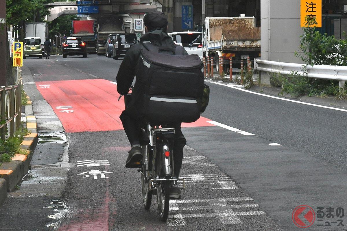 新型コロナ禍で需要が増加したフードデリバリーをおこなう自転車配達員(画像はイメージ)
