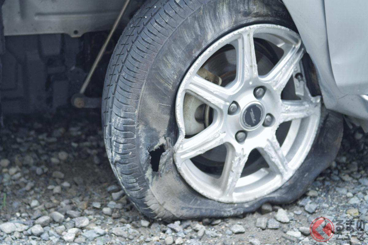 タイヤトラブルで交換する場合、廃タイヤの処分費が発生する。近年ではその価格が高騰しているという
