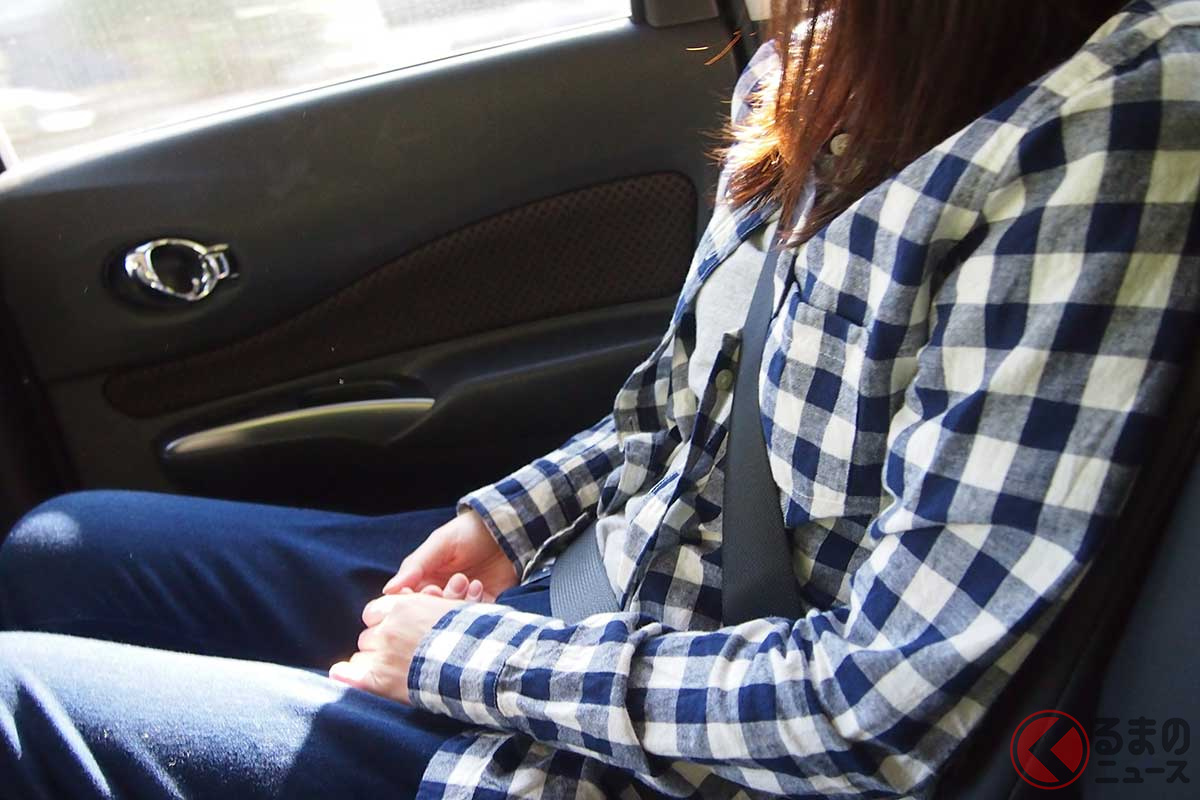 一般道で着用率が低い後席シートベルト