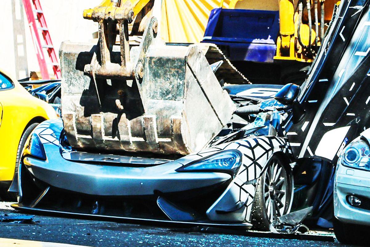 フィリピン政府が破壊した350台限定生産のマクラーレン「620R」(photo:The Bureau of Customs)