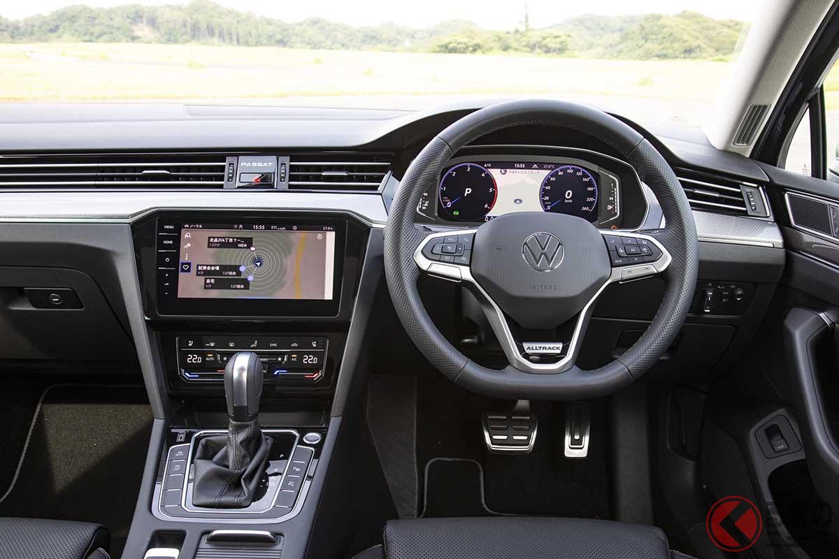 VW改良新型「パサート・オールトラック」のインパネ。デジタルメータークラスター「Digital Cockpit Pro」が標準装備