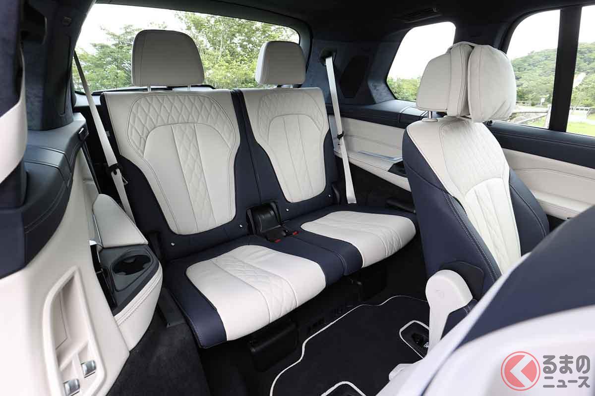 BMW「X7 xドライブ40d Mスポーツ」のサードシート。大人もゆったりと座れるのが特徴だ