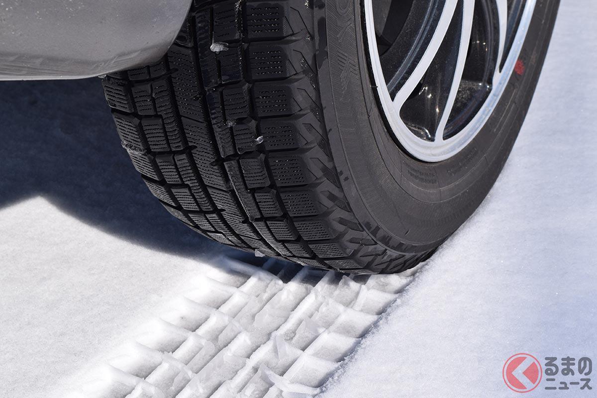 冬用タイヤの定番であるスタッドレスタイヤ