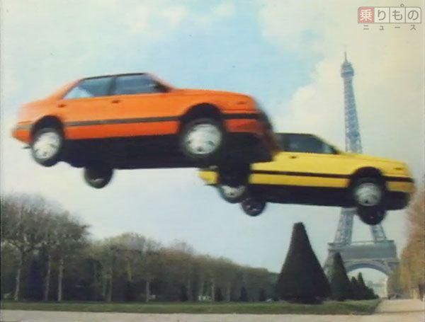いすゞ「ジェミニ」のテレビCMより。「双子」の名のとおり、2台の「ジェミニ」が息ピッタリのスタントを披露(画像:いすゞ自動車、CM制作:マッキャンエリクソン)。