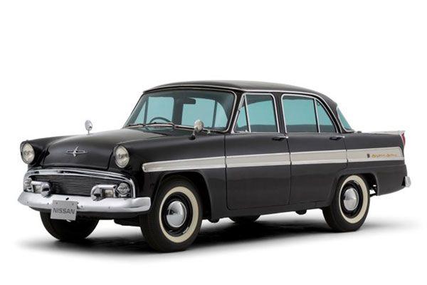 1957年発売の初代「スカイライン」(画像:日産)。