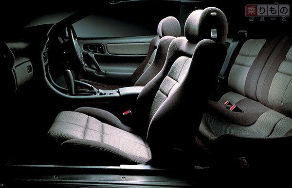 三菱「GTO」前期型の、内装の様子(画像:三菱自動車)。