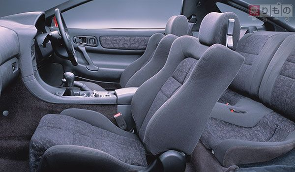 三菱「GTO」後期型の、内装の様子(画像:三菱自動車)。