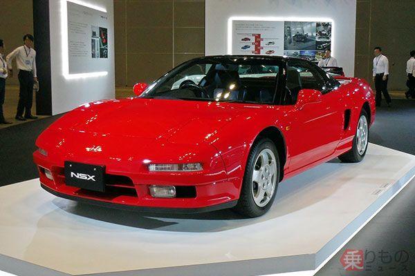 初代「NSX」は1990年に登場。当時の新車価格は税別800万円~だった。中古車情報サイト「カーセンサー」によると、2017年8月現在で中古車の平均価格は573.4万円(2017年8月、乗りものニュース編集部撮影)。