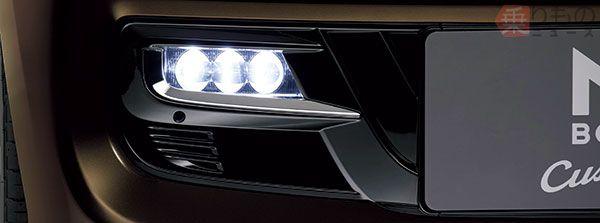「N-BOX Custom」LEDフォグライト(画像:ホンダ)。